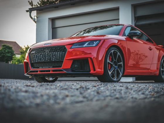 Audi TTRS in Catalunyarot Metallic