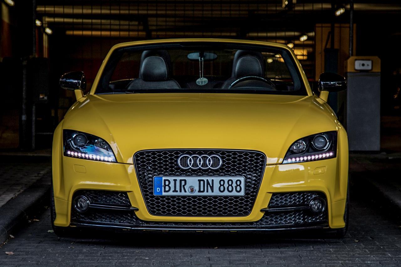 Audi TTS Imolagelb Front