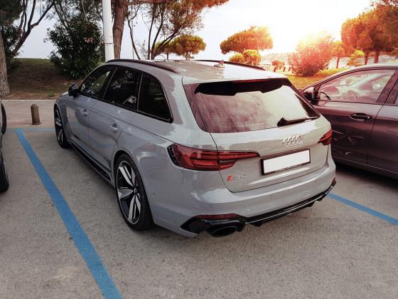 Audi RS4 Avant Nardograu