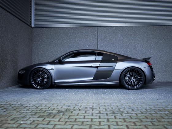 Audi R8 V10 manual ceramic brakes